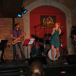 LOCAL BAR, Wien mit Alienne Fromvenus/voc, Peter Natterer/sax, Otto Scheidl/bass, Peter Barborik/drums, Georg Henke/keys