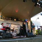 SOMMERSZENE Gänserndorf - mit Stella Jones/voc, Peter Natterer/sax, Otto Scheidl/bass, Tommy Böröcz/drums, Georg Henke/keys