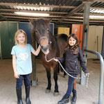 Ponyhofmädchen... Alle drei :-)