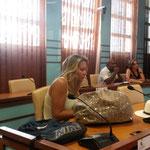 Visite au Congrès de Nouméa, salle plénière