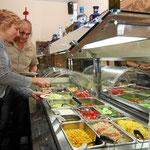 Früchte und Salatauswahl