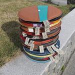 EDLER LEDER-Polster gestapelt