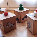 7. Runde BOXenKAMPF: handgestempelte Frosch- und Maus-Boxen