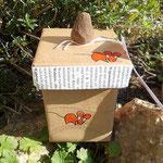 upcycling.MAUS.Box mit zinnoberroten Mäusen
