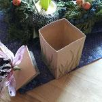 1. Runde BOXenKAMPF: geöffnete Papierblumenbox