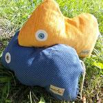 Tierchenpolster blau gelb