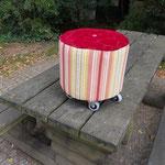 und hier Modell Mini: Upcycling-SATkabeltrommelhocker mit rotem Keder, Höhe: 30 cm, € 79,-