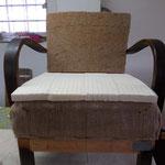 Biolatex auf dem Sitz ( bei klassischer Polsterung wird hier meist Rosshaar verwendet) und Gummikokos kbA. an der Lehne