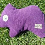 Tierchenpolster in violett, gefüllt mit Bio-Latexflocken