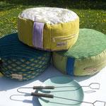 3 Sitz- und Meditations-Polster bereit für den Gril ;-D