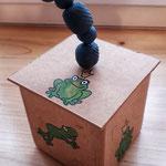 7. Runde BOXenKAMPF: handgestempelte Frosch-Boxen mit Schnuddelgriff