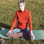 Meditationshaltung auf Dinkel medium