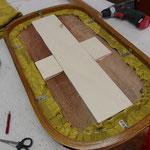 ausgeklügelte Unterkonstruktion aus vorhandenen Materialien, die ...