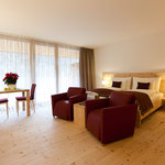 Arven-Massivparkett im IN LAIN Hotel Codonau in CH-7527 Brail