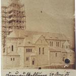 Aufstellung des Turmkreuzes 1907