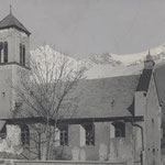 Alte Pradler Kirche, dem Verfall preisgegeben (ca. 1940)