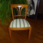 Stuhl neu bezogen
