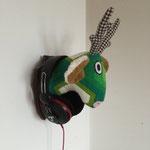 Wandtrophäe Ole als Halter für Kopfhörer - sehr lässig.