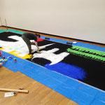 布は画材を吸い込んでしまうので、二度塗り、三度塗りの手間がかかってしまう