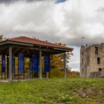 Burganlage mit Infopavillon