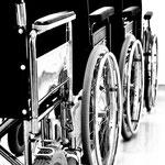 Gefundenes Stillleben, Rollstühle