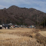 もう少しで駐車場・北方向に生瀬富士が見えた