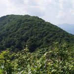 北側から見た三国山