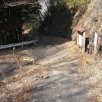旧県道と合流