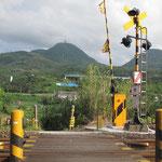 馬路高山(左) 城上山・キガミヤマ(右)