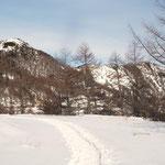 左:東篭ノ登山  右:水ノ塔山