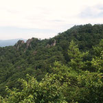 先ほどの岩山・男体山(左)と女体山(右)