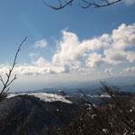 眼下に駒ヶ岳・左奥に初島と大島