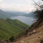 中禅寺湖の向こう側(中宮祠)がゴール地点