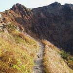 朝日岳へ向かう登山道