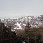 (右)水ノ塔山・(左となり)東篭ノ登山