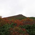 東栗駒山が視界に入る
