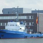 """""""EISVOGEL"""" früherer Eisbrecher und Schlepper A 1401 der Bundesmarine"""