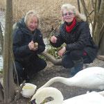 Birgit Schuette (SWR) interviewt Carmen Weitzel