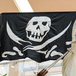 Das Piratenschiff im ECE-Basement segelt natürlich unter Totenkopf-Flagge © Michael M. Roth, MicialMedia