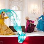 Marelize Gerber (Sivene), Anna Manske (Tangia) & Elsa Giannoulidou (Lisinga) in Le Cinesi - CW Gluck Foto: Charlie Schwarz ©