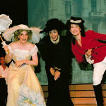 Marelize Gerber (Heiderl), Maria Droulou (Hannerl) & Maida Karisik (Hederl) - Wiener Operettensommer Foto: Scheibmaier Promotions ©
