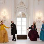 Marelize Gerber (Sivene), Gernot Heinrich (Silango), Anna Manske (Tangia) & Elsa Giannoulidou (Lisinga) in Le Cinesi - CW Gluck Foto: Charlie Schwarz ©