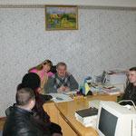 Besuch in einer Schule - mit Geschenken - z.B.Computer für die Schüler