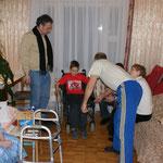 Endlich ein Rollstuhl, nach 2 Jahren kann die Oma wieder an die Luft