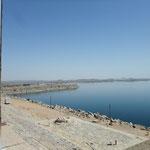 Blick vom Assuan-Staudamm auf den Nasser-See