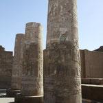 Säulen mit Farbresten