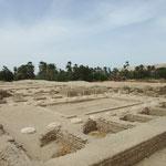 Ausgegrabene Fundamente des nördlichen Palasts von Achetaton, gebaut aus Nilschlamm-Ziegeln