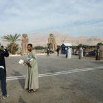Verkäufer bei den Memnonkolossen