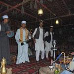 Traditionelle Musik mit Bauchtanzeinlagen in Kom Ombo