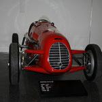 Prototyp - Automuseum in der Hamburger Speicherstadt - Schicke Flitzer, sehr seltene Sportwagen und rare Oldtimer werden hier auf zwei historischen Fabriketagen präsentiert.